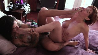 Stepmommy Has Special Love For Her Lesbian Stepdaughter Bonnie Rotten