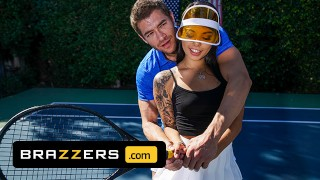 Brazzers – Gina Valentina Gets A Muscle Sprain & Xander Corvus Soothes Her Pain With His Huge Cock